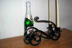 Кованая бутылочница-подсвечник
